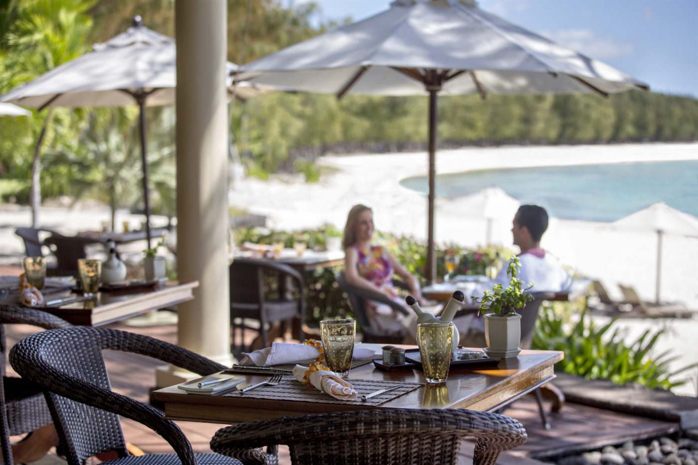 The Residence Mauritius offers all the uniqueness of an extraordinary dinner in a  local family's home.