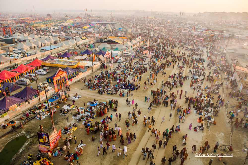 The unusual India, on the occasion of the Kumbh Mela festival: a unique experience to deeply know a culture completely different from ours.
