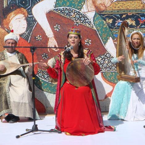 Nel cuore del mondo, al crocevia tra Europa e Asia, l'AZERBAIJAN si prepara ad un autunno ricco di eventi e festival culturali degni di una stagione tutta da vivere