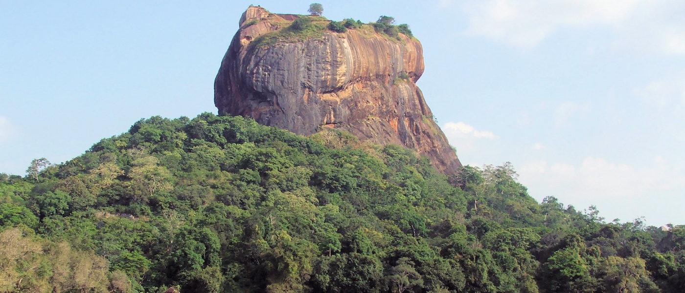 """Per descrivere la bellezza dello Sri Lanka, il Telegraph riporta una frase di un lettore che ha votato il Paese  come il posto più bello del mondo: """"Tutti sanno quanto bello sia lo Sri Lanka, ma pochi sanno quanto siano meravigliosamente generosi i suoi abitanti""""."""